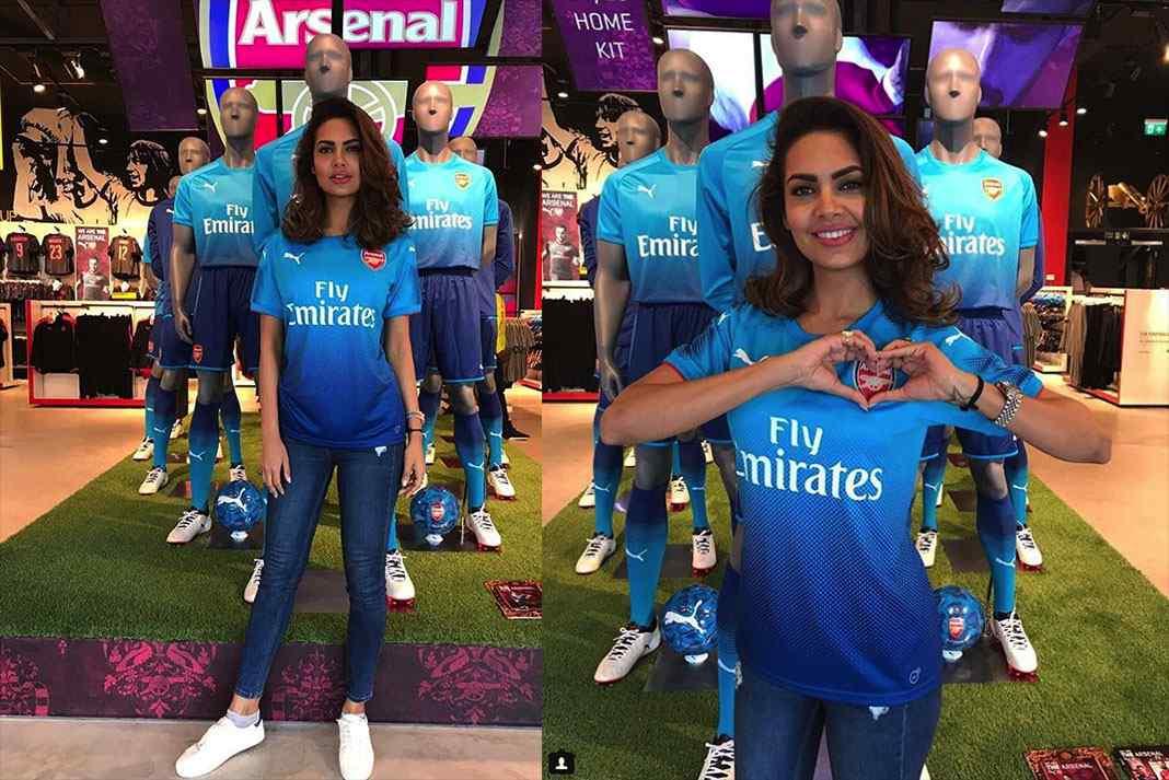 best service 785b4 5065d Indian actress walks ramp for Arsenal jersey launch- InsideSport