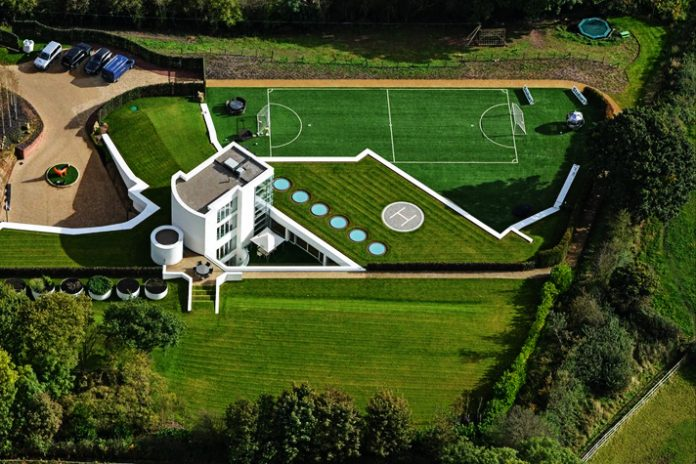 Mario Balotelli's House - InsideSport