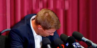 David Warner Press Conference: Tearful Warner 'resigned' to never play for Australia again - InsideSport