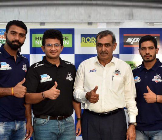 Monu Goyat Haryana Steelers Captain,Haryana Steelers,Monu Goyat,gujarat fortune giants,pro kabaddi league