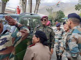 Mahendra Singh Dhoni,MS Dhoni,Jammu and Kashmir,MS Dhoni Jammu and Kashmir posting,MS Dhoni Independent Day Ladakh