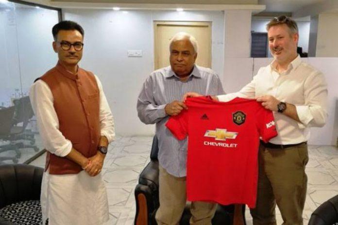 Manchester United,English Premier League,Aroop Biswas,Debabrata Sarkar,Sports Business News India